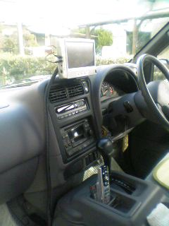 車載用ワンセグチューナー取り付け仕上げ